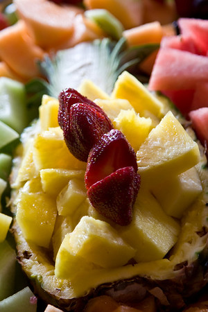 pineapple fruit display